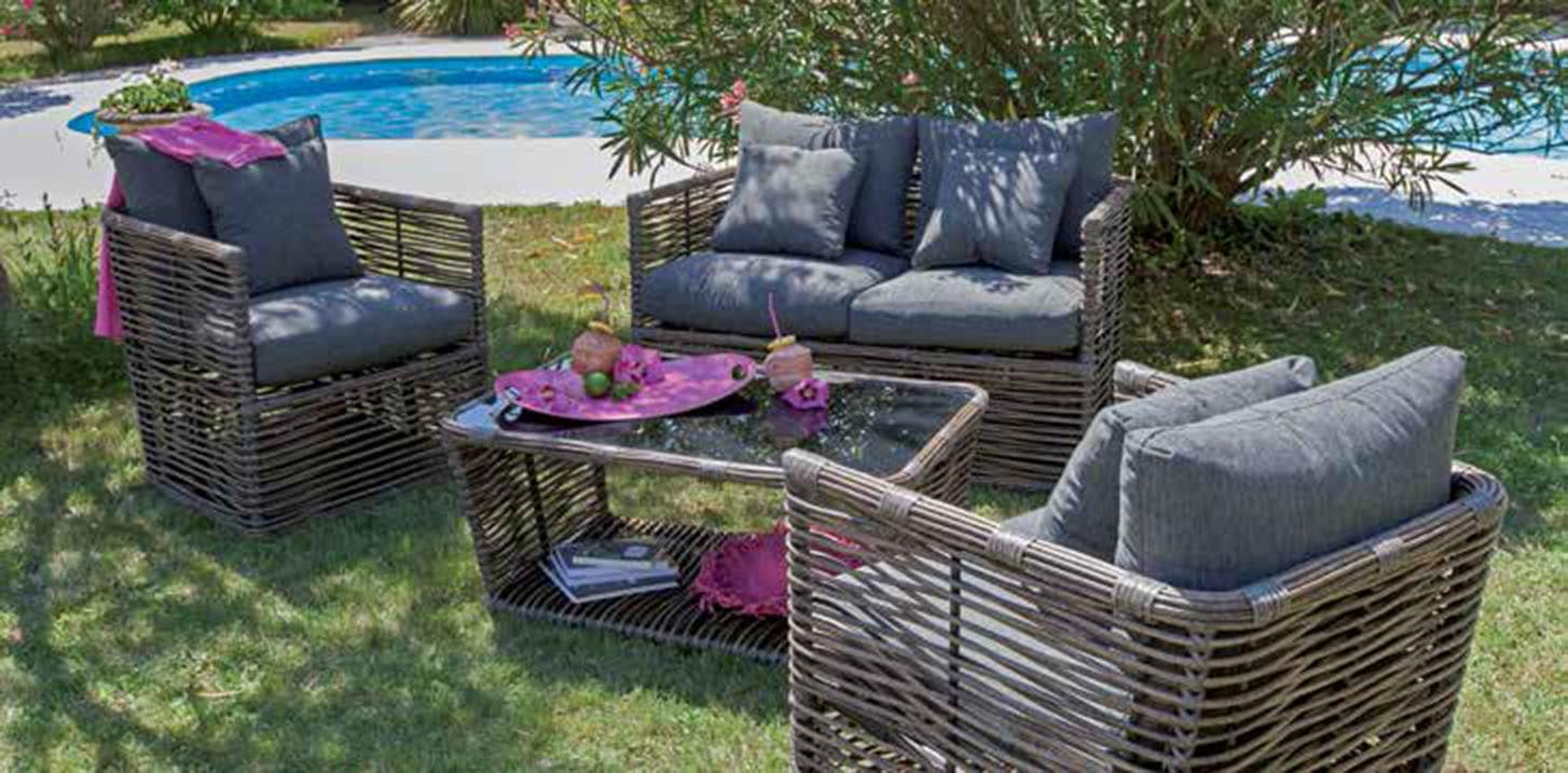 salon canapé fauteuil et table